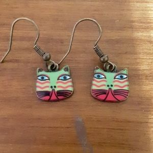 Jewelry - Green and pink enamel kitty face earrings